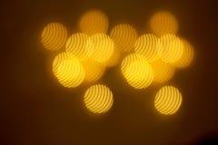 Piękny złocisty bokeh z wzorem geometryczni elementy na ciemnym tle fotografia royalty free