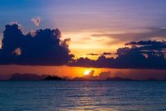 piękny zachód słońca na plaży Zdjęcie Stock