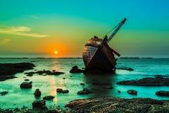 piękny zachód słońca na plaży Obrazy Royalty Free