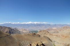 Piękny Zansker pasmo widoczny od Ladakh pasma blisko Leh, HDR Zdjęcia Stock