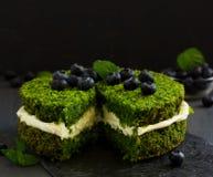 Piękny zieleń tort z szpinakiem Zdjęcia Royalty Free
