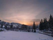 Piękny zima wschód słońca w górach Fotografia Stock