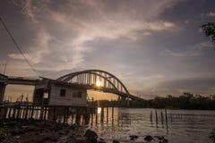 Piękny zmierzch blisko Kedah Rzeczny Malezja dokąd wszystkie rybak żywy Obrazy Stock