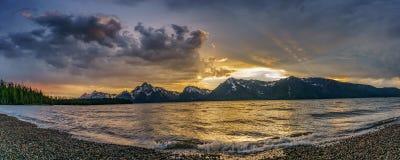 Piękny zmierzch jako burza rusza się dalej Zdjęcie Royalty Free