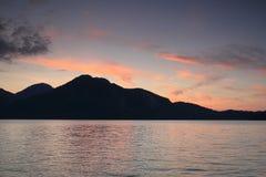 Piękny zmierzch na jeziorze w bavaria obraz stock