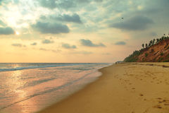 Piękny zmierzch na oceanu indyjskiego wybrzeżu Obrazy Stock