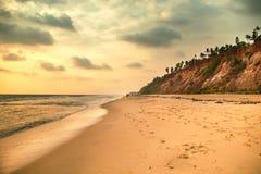 Piękny zmierzch na oceanu indyjskiego wybrzeżu Obraz Stock
