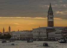 Piękny zmierzch na piazza San Marco w Wenecja, Włochy obrazy royalty free