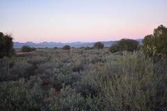 Piękny zmierzch na sposobie Meerkat przygoda w Oudtshoorn, Mały Karoo w Południowa Afryka Obrazy Stock