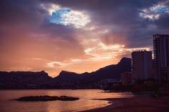 Piękny zmierzch na wybrzeżu Hiszpania Zdjęcie Stock