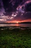 Piękny zmierzch nad jeziorem obrazy royalty free