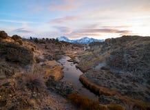 Piękny zmierzch nad Wschodnim sierra od Gorącej zatoczki Geological miejsca Fotografia Royalty Free