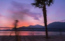 Piękny zmierzch przy Iseo jeziorem, Lombardy, Włochy Fotografia Stock