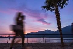 Piękny zmierzch przy Iseo jeziorem, Lombardy, Włochy Obraz Royalty Free