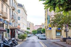 Piękny zmierzchu widok ulicy Beaulieu sura mer obraz royalty free