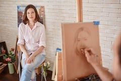 Pięknych potomstw Wzorcowy Pozować dla portreta w studiu Obraz Royalty Free