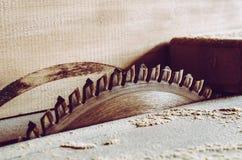 Piła szczegóły meble z kółkowym zobaczyli Kurenda zobaczył dla tnącego drewna obrazy stock