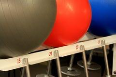 piłek ćwiczenia gym ciężary Obrazy Royalty Free