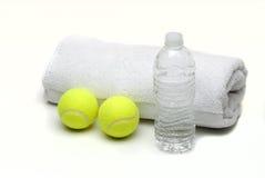 piłek butelki tenisowy ręcznika wody biel Fotografia Royalty Free