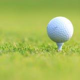 piłkę ścinku golfa ścieżki tee odosobnione obrazu Zdjęcia Stock