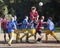 Piłka nożna Futbol Bawi się Młodości Zdjęcia Stock