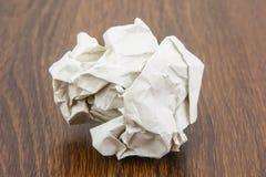 Piłka papieru prześcieradło zdjęcie stock