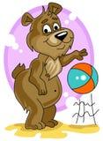 piłki niedźwiadkowy śliczny mały bawić się Obraz Royalty Free