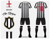 Piłki nożnej bydło lub futbolu zestawu szablon dla futbolu klubu Czarny i biały lampasa futbolowa koszula z skarpety i skrótu egz Zdjęcia Royalty Free