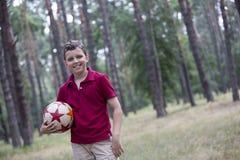 Piłki nożnej chłopiec zdjęcia royalty free