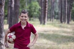 Piłki nożnej chłopiec fotografia royalty free