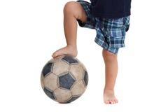 Piłki nożnej piłka na stopie gracz futbolu Odosobniony biel Obrazy Stock