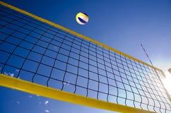 Piłki sieć i niebo Fotografia Stock