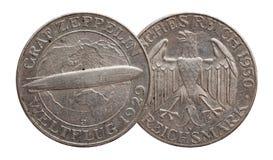 Pi?ce en argent allemande 5 de l'Allemagne R?publique de Weimar de zeppelin de cinq marks images libres de droits