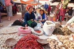 Pięciodniowy rynek, Inle jezioro Fotografia Royalty Free