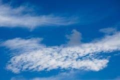 Piękna biel chmura na niebie Fotografia Royalty Free