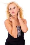 Piękna blondynka pozuje w studiu Zdjęcie Royalty Free
