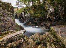 Piękna Braklynn siklawa w Szkocja Zdjęcia Royalty Free