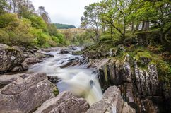 Piękna Braklynn siklawa w Szkocja Zdjęcia Stock