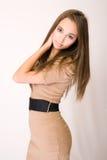 piękna brunetki krzesanie Fotografia Royalty Free
