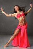 Piękna brzucha tancerza kobieta Zdjęcia Royalty Free
