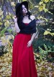 Piękna czarownica w lasowym Halloween Obraz Stock