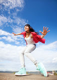 Piękna dancingowa dziewczyna w ruchu Fotografia Royalty Free