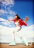 Piękna dancingowa dziewczyna w ruchu Zdjęcia Stock