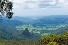 Piękna dolina w tropikalnym tropikalnego lasu deszczowego widoku od above Zdjęcia Royalty Free