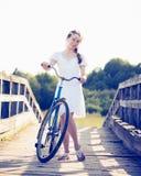 piękna dziewczyna rowerów Obrazy Royalty Free