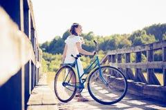 piękna dziewczyna rowerów Obrazy Stock