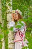 Piękna dziewczyna w krajowym Belarusian kostiumu Obraz Stock