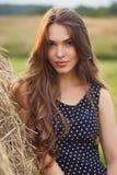 piękna dziewczyna w terenie Zdjęcie Stock
