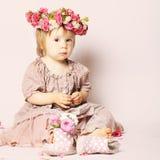 Piękna dziewczynka, urodzinowa karta Fotografia Stock