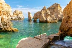 Piękna faleza Ponta da Piedade w Lagos, Algarve, Portugalia obraz stock